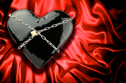 heart in chains small